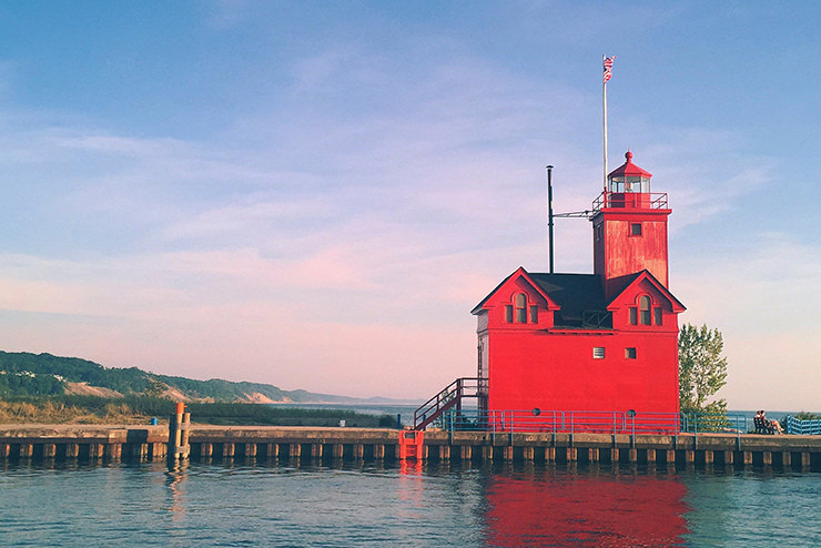red-building-holland-harbor-light